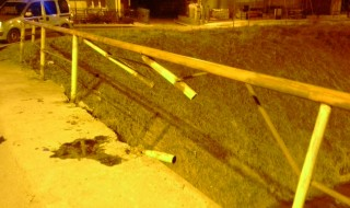samochodem w barierke.jpg