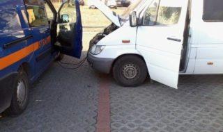 straznicy-pomagaja-kierowcom