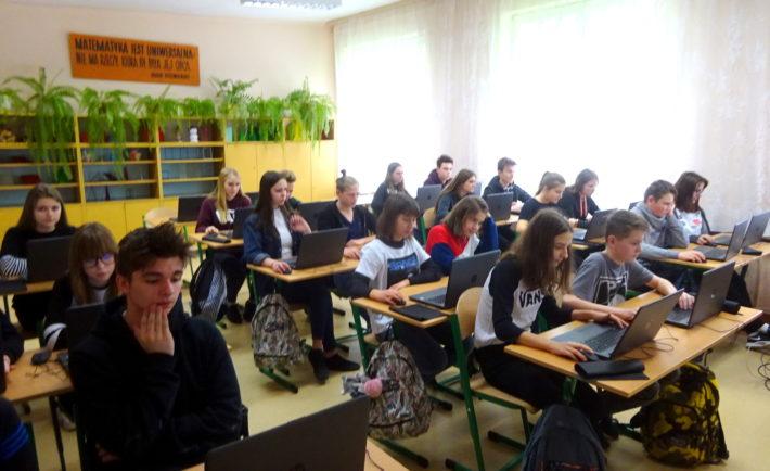 laptopy dla uczniow